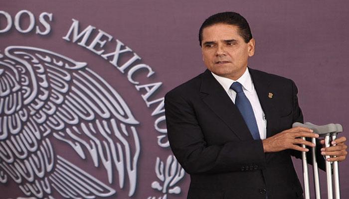Destapan a Aureoles como aspirante presidencial